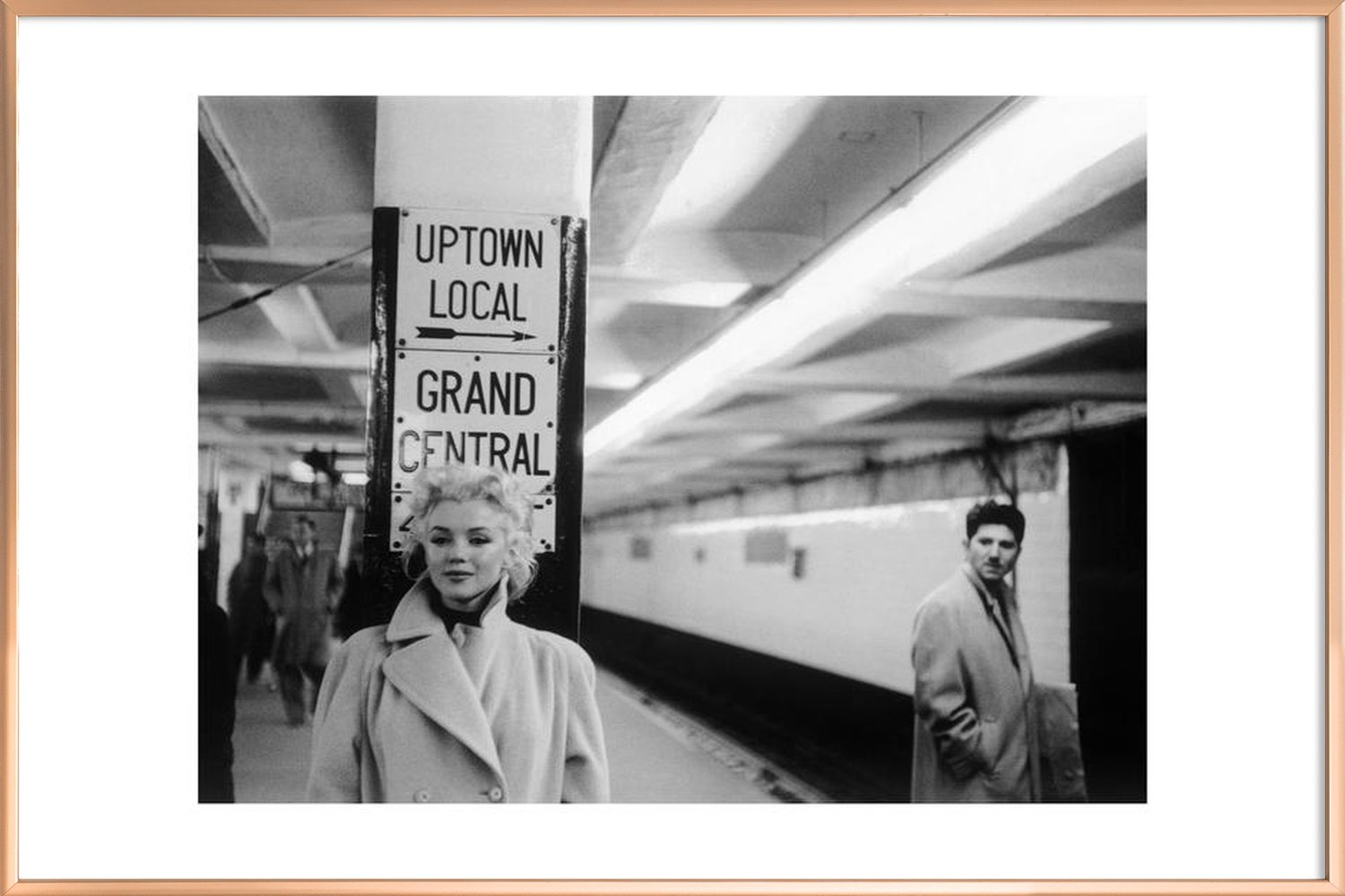 Marilyn Monroe at Grand Central Station, New York 1955 als ...