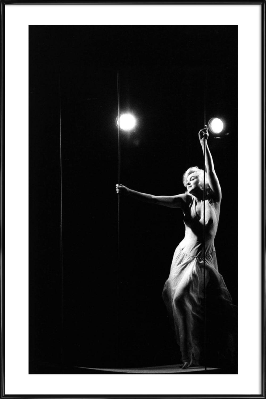 Marilyn Monroe in Let\'s Make Love, 1960 als Poster im ...