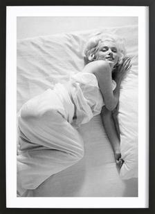 Marilyn Monroe in Bed