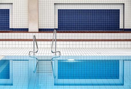 Swimming - Renate Reichert