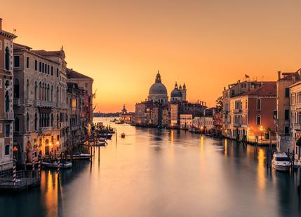 Dawn on Venice - Eric Zhang