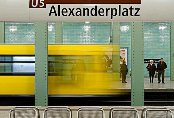 Leaving Alex -Acrylglasbild