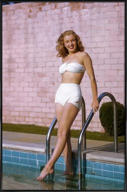 Young Marilyn Monroe Poolside II - Poster in Standard Frame
