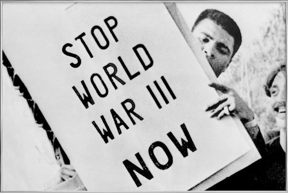 Cassius Clay/Muhammad Ali participates in anti-war demonstration -Poster im Alurahmen