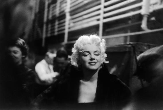 Marilyn Monroe on Subway -Acrylglasbild