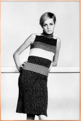 Twiggy in a knitted suit