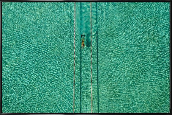 Swimmer - Hossein Nikzad Amoli - Poster in kunststof lijst