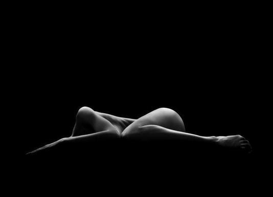 Bodyscape - Leon Schröder