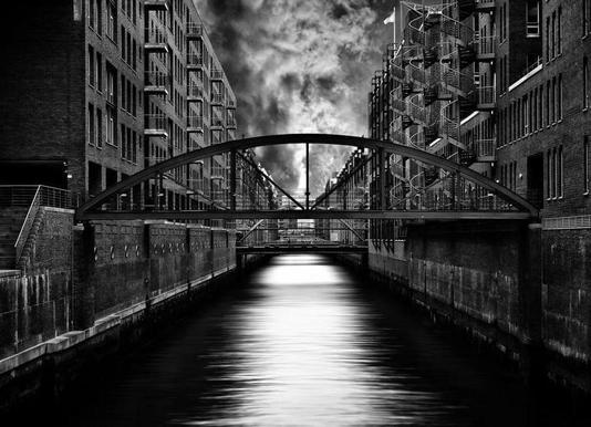 The other side of Hamburg - Stefan Eisele -Leinwandbild