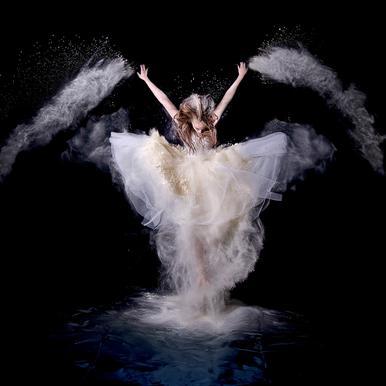 Powder Rush - Pauline Pentony MA -Alubild