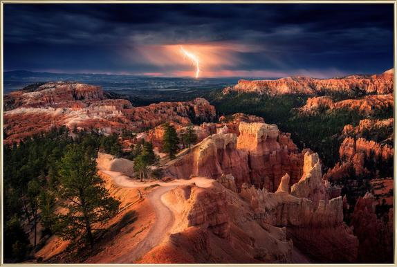 Lightning over Bryce Canyon - Stefan Mitterwallner Poster in Aluminium Frame