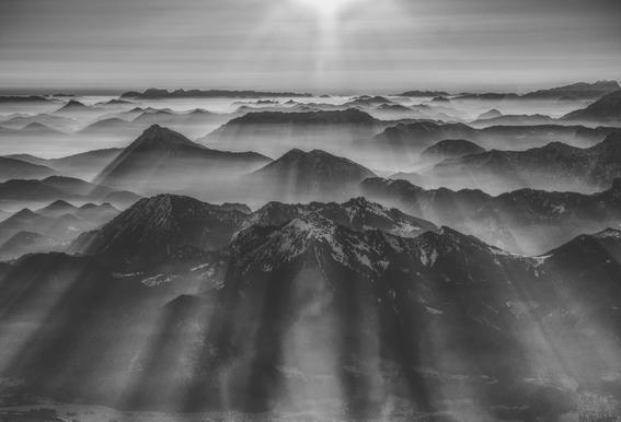 Balloon Ride over the Alps 1 -Acrylglasbild