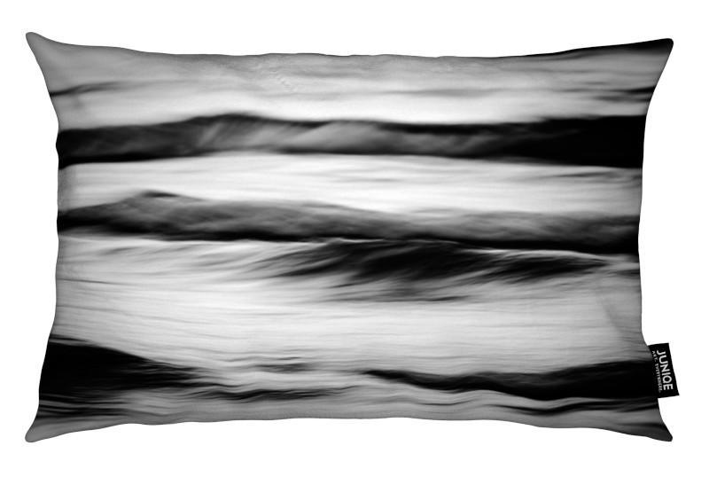 Kussen Wit 8 : Waves black white als kussen door tal paz fridman juniqe