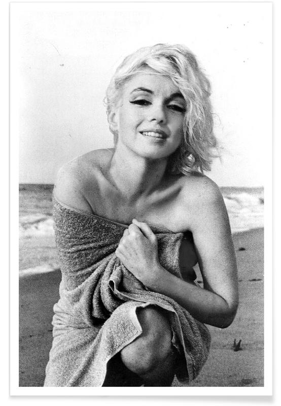 marilyn monroe on the sea shore as poster juniqe uk