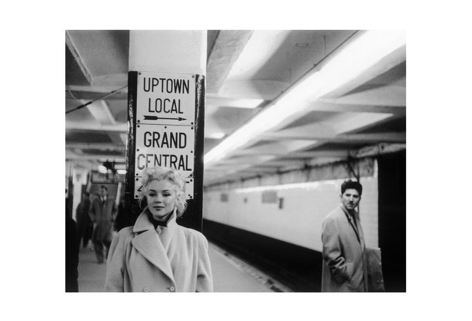 Marilyn monroe at grand central station new york 1955 as acrylic glass print juniqe