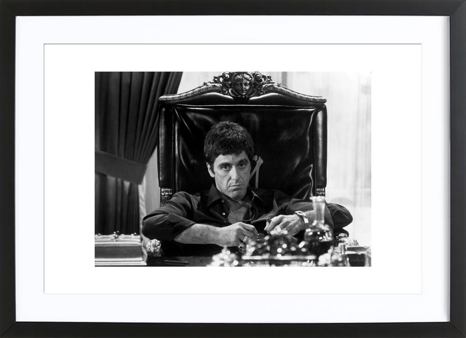 Al Pacino in Scarface als Poster im Holzrahmen | JUNIQE