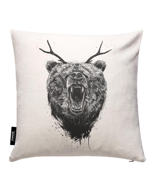 angry bear als kussenhoes door bal225zs solti juniqe