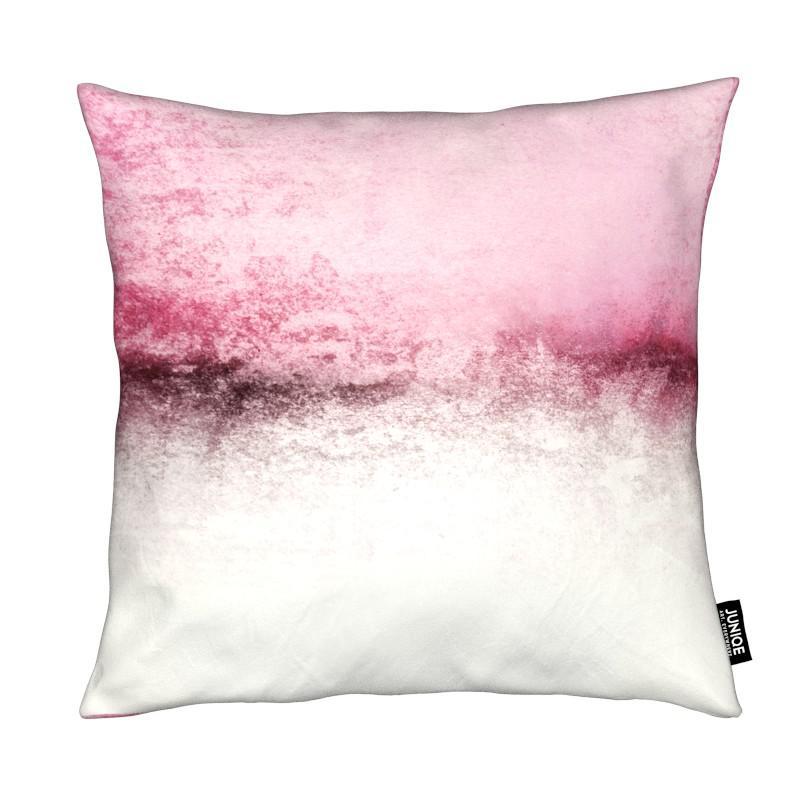 snowdreamer pink als kissen von monika strigel juniqe. Black Bedroom Furniture Sets. Home Design Ideas