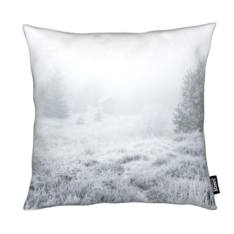 the house in the forest als kissen von studio nahili juniqe. Black Bedroom Furniture Sets. Home Design Ideas