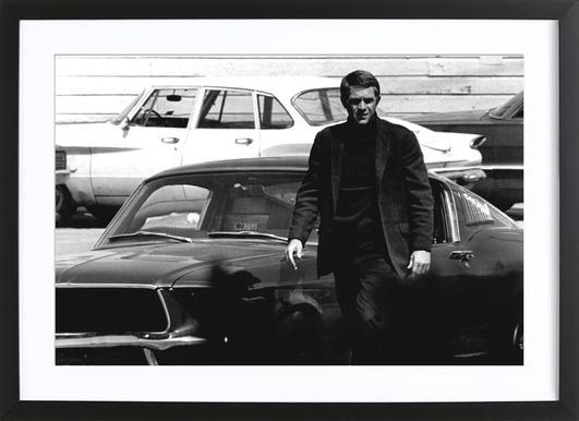Steve McQueen in Bullitt, 1969 affiche sous cadre en bois