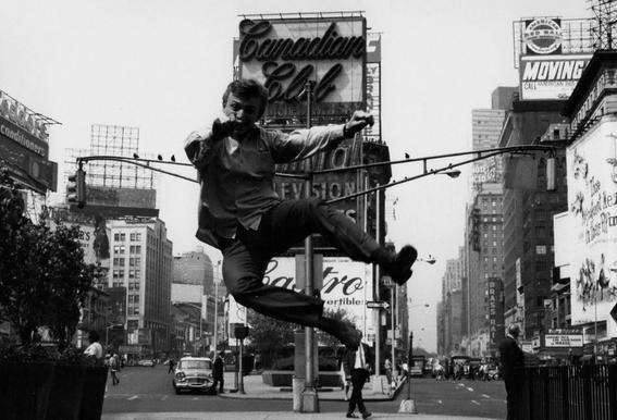 Tommy Steele at Times Square Impression sur alu-Dibond