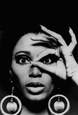 Donyale Luna, 1970 tableau en verre