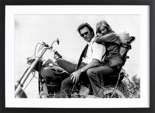 Clint Eastwood & Sondra Locke in 'The Gauntlet' affiche sous cadre en bois