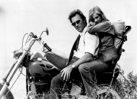 Clint Eastwood & Sondra Locke in 'The Gauntlet' toile