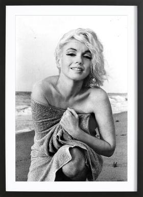 Marilyn Monroe on the sea shore affiche sous cadre en bois