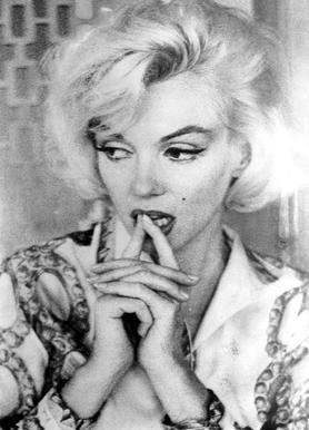 Marilyn Monroe wearing a blouse toile