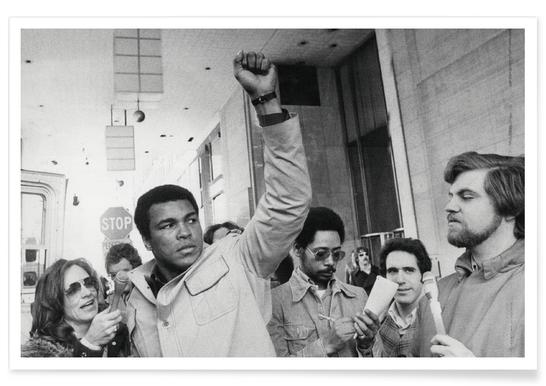 Muhammad Ali raises his Fist affiche