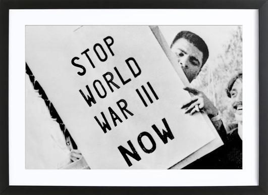 Cassius Clay/Muhammad Ali participates in anti-war demonstration affiche sous cadre en bois