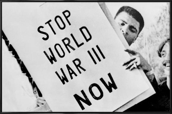 Cassius Clay/Muhammad Ali participates in anti-war demonstration affiche encadrée
