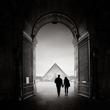 France - La Pyramide du Louvre Leinwandbild