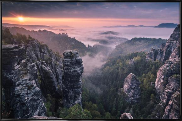 Sunrise on the Rocks Poster im Kunststoffrahmen