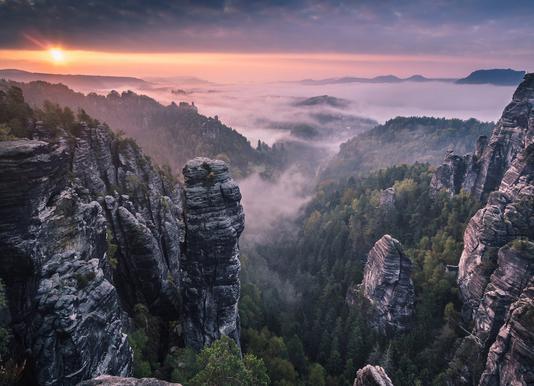 Sunrise on the Rocks Leinwandbild