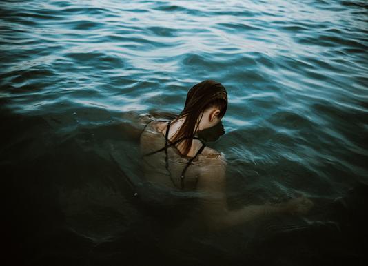 Drowning -Leinwandbild