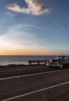 Cadillac Sunset Cruise I Aluminium Print