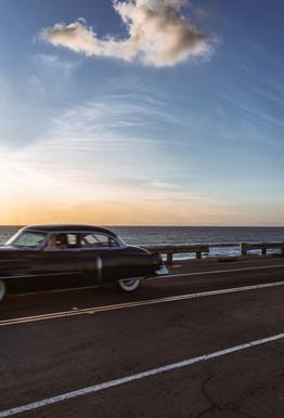 Cadillac Sunset Cruise II -Acrylglasbild