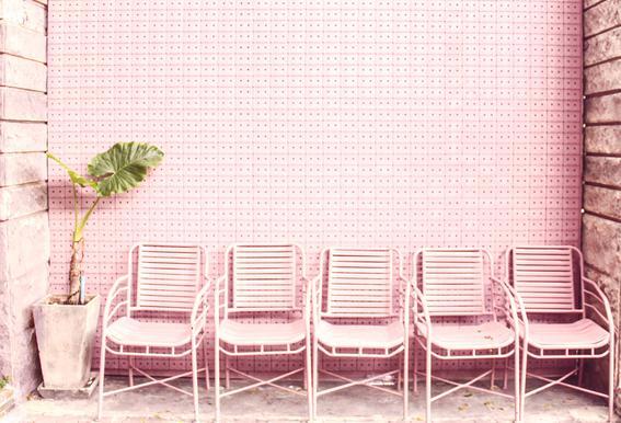 Wait and Sit by @OeyYimYim -Acrylglasbild