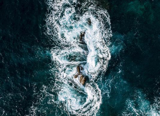 Whirling Waves by @regnumsaturni -Leinwandbild