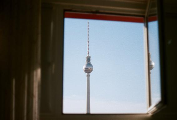 Living in Berlin Alu-Dibond Druck