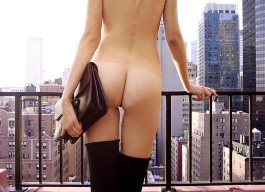 Naked in New York Leinwandbild