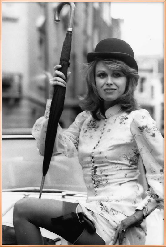 Joanna Lumley as the new 'Avengers' girl poster in aluminium lijst