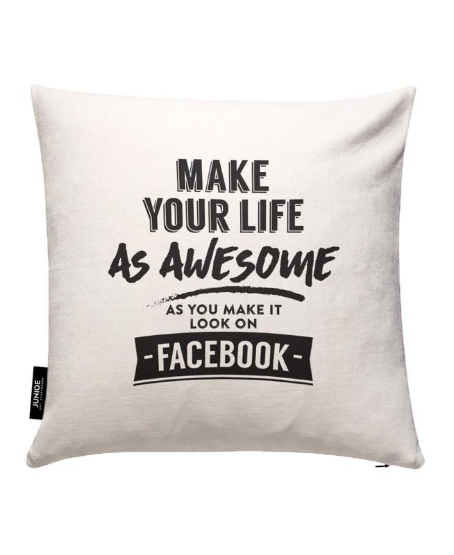 Facebook Life JUNIQE Kissenhülle