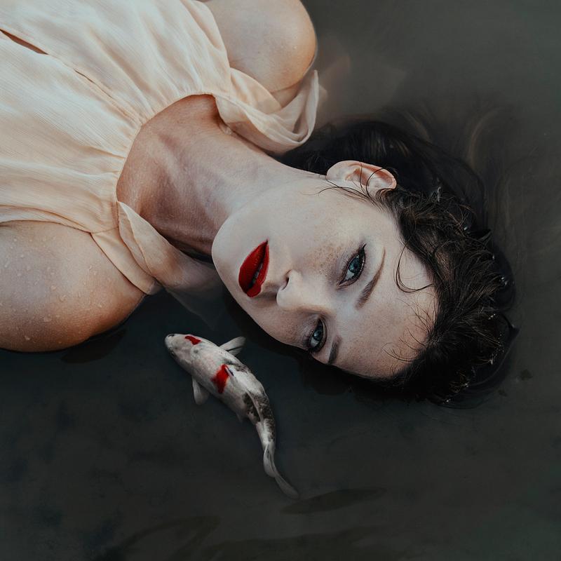 Girl Fish -Leinwandbild