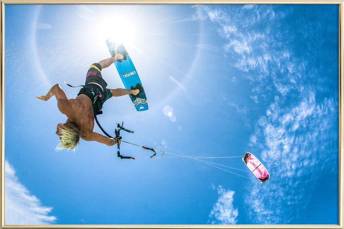 Kiteboarder Sun Poster im Alurahmen | Dekoration > Bilder und Rahmen > Poster | Mehrfarbig