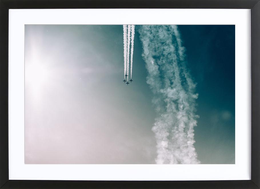 Squadron of the Skies by Jonas Peschel -Bild mit Holzrahmen