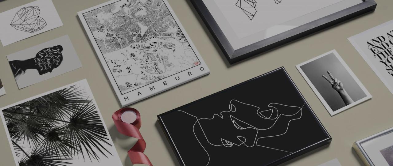 zwart wit wanddecoratie en schrijfwaren met palmboom, gezichten en kaart van hamburg