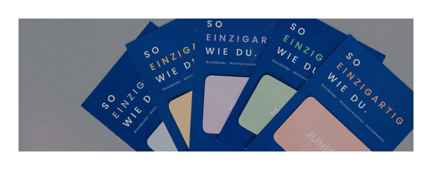 Blaue Geschenkkarten von JUNIQE